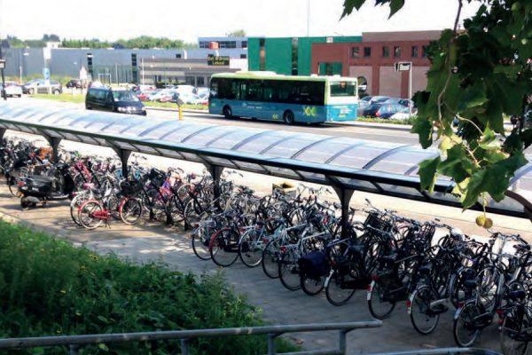 tettoia per biciclette bifacciale